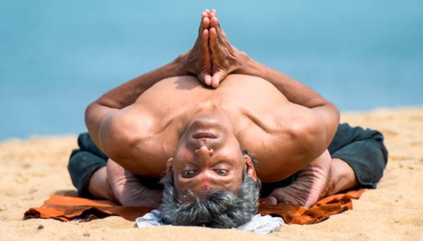 Yoga og meditation med Sarath