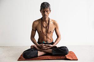 Efterårs-yoga med Saraath Chandra på Kirsebærgården