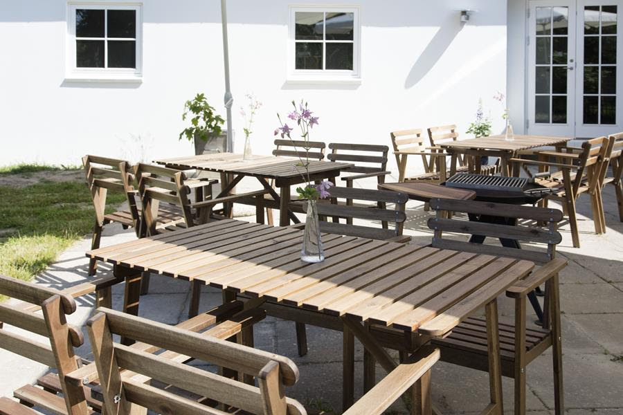 Sol på Kirsebærgårdens terrasse